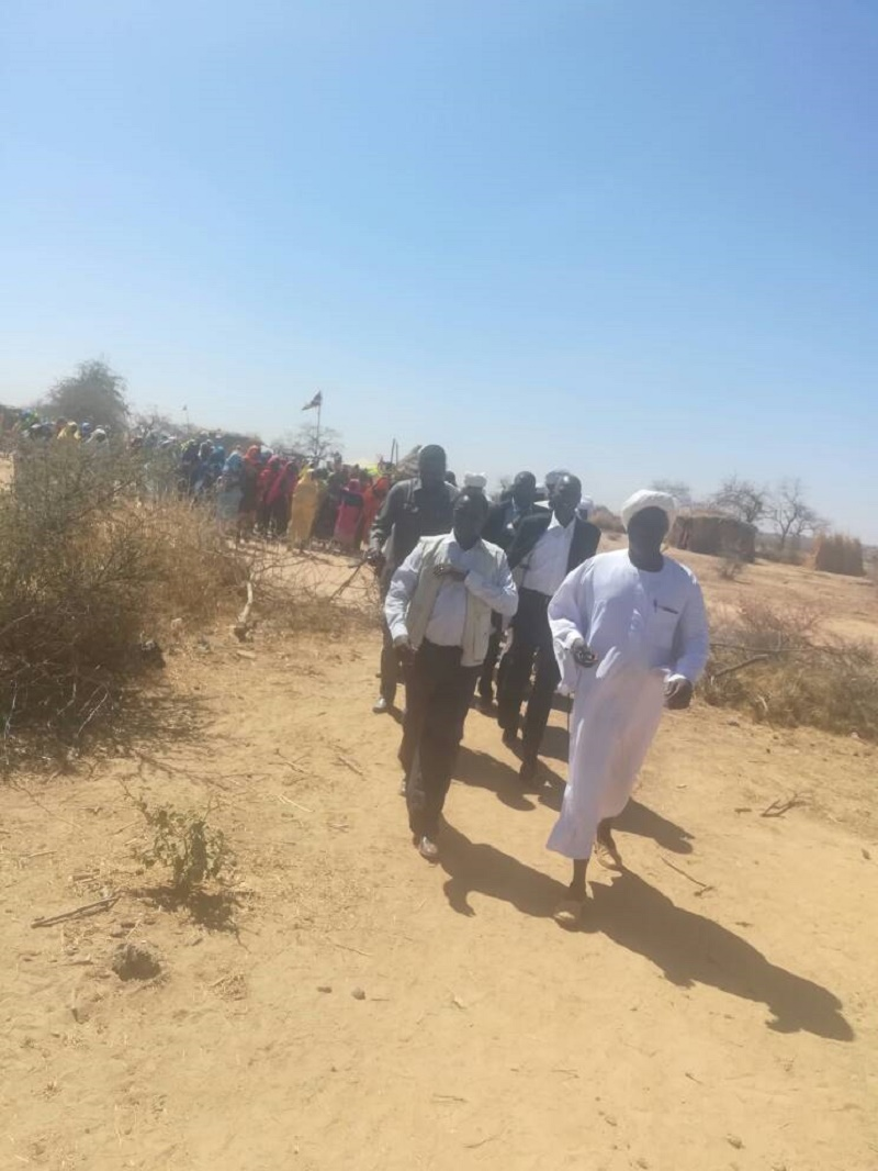 Commissioner for Voluntary Return  for Darfur States inspects  returnees  in W. Darfur State