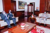 دقلو يبحث مع المبعوث البريطاني تعزيز الشراكة بين البلدين