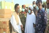 والى كسلا يشهد تسليم المنحة الطبية للقائد الأعلى للقوات المسلحة