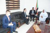 وزير العمل والإصلاح الإداري تبحث سبل التعاون مع السفير التركي