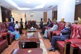 البرهان يلتقي وفد اللجنة العليا لعام محمد وردي 2022