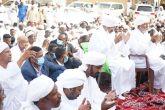 رئيس الوزراء يؤدي صلاة العيد بمسجد الأدارسة