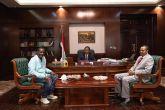 حمدوك يستقبل المخرج السوداني سعيد حامد