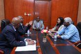 الهادي إدريس يلتقي لجنة السياسة الخارجية لمبادرة الطريق إلى الأمام