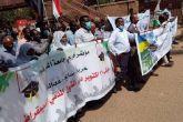 مديرة جامعة الخرطوم تتقدم موكب الأساتذة لدعم التحول المدني الديموقراطي